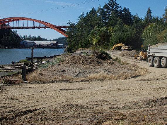 Fill removal at Rainbow Marsh, just north of the Rainbow Bridge in La Conner. 2008 Photo by Kari Neumeyer, NWIFC.
